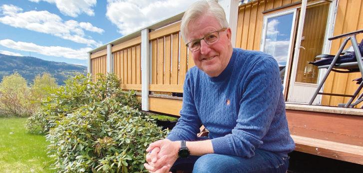 PRIMUS MOTOR: Finn Olsen i hjemlige omgivelser på Lillehammer. Han har vært primus motor for Sørdalskarusellen siden 1982.